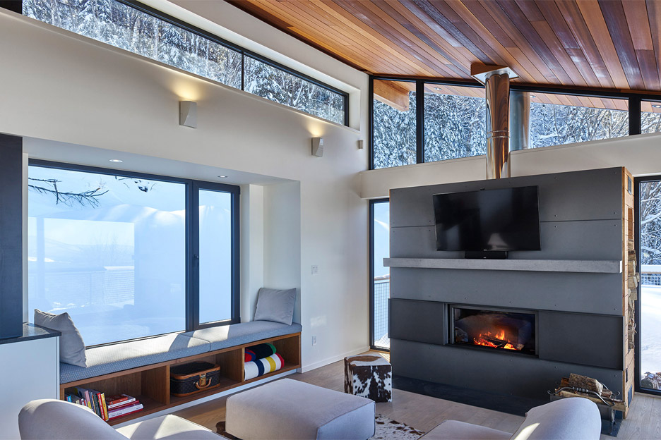 laurentian-ski-chalet-robitaille-curtis-holiday-home-architecture-quebec-canada_dezeen_936_6