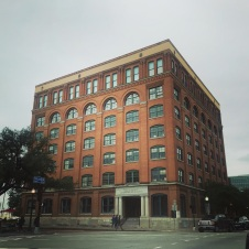 Former Texas Book Depository Building, The location of Lee Harvey Oswald at the moment of Kennedy's shooting